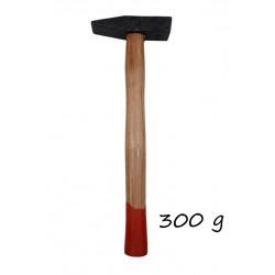 Чук метал дървена дръжка с червено 300 г